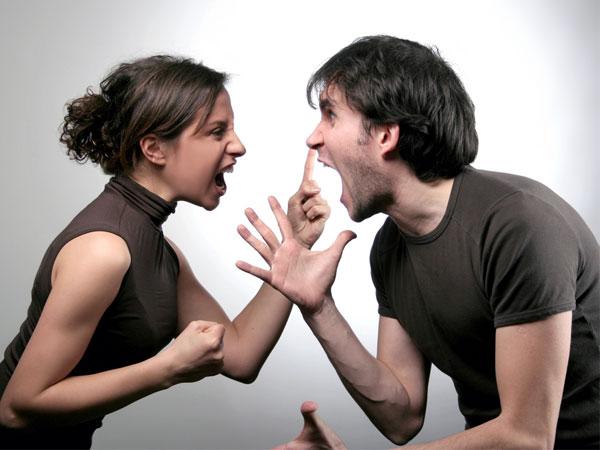 صفات الزوجة الغبية