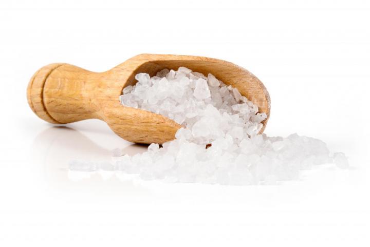 كيفية تقشير البيض بسهولة باستخدام الملح