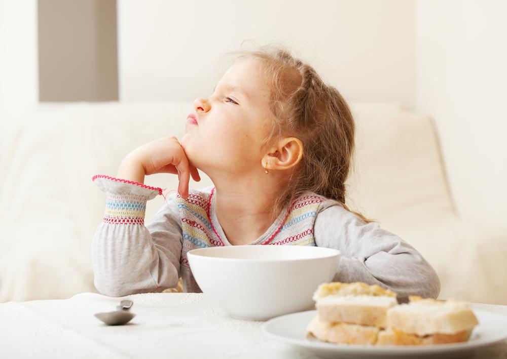 اطعمة تقلل ذكاء الطفل