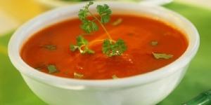 طريقة عمل شوربة الشعيرية بالطماطم