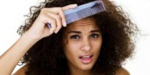 الصيف ومشكلة تجاعيد الشعر