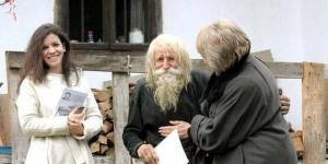 رجل بلغاري يتسول لجمع تبرعات للايتام