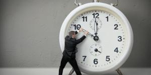 حكم عن قيمة الوقت