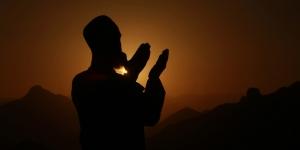 السماء والارض يبكوا لوفاة المؤمن