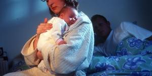 اسباب استيقاظ الطفل للرضاعة ليلا
