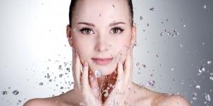 كيفية تنظيف البشرة بوصفات طبيعية