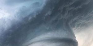 الغيوم اللولبية