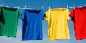 كيفية الحفاظ على الوان الملابس من البهتان
