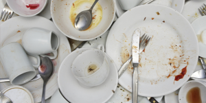 كيفية غسيل الاوانى والاطباق بصورة سهلة