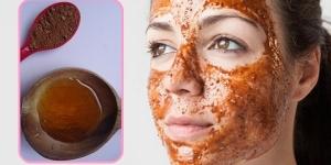 قناع القرفة والعسل للتخلص من البثور السوداء