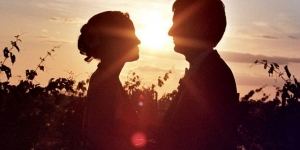 قصة حب عجيبة