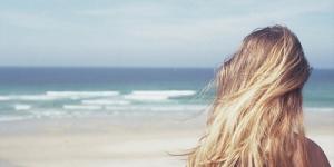كيفية العناية بالشعر بعد زيارة الشاطئ