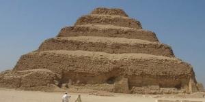 اول هرم بناه القدماء المصريين