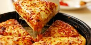طريقة عمل بيتزا الاجبان الاربعة الايطالية