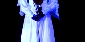 الشاب وشبح العروس الراقص