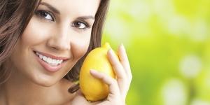 وصفات الليمون لتفتيح البشرة الداكنة
