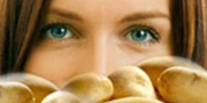 فوائد البطاطس لنضارة وشباب البشرة